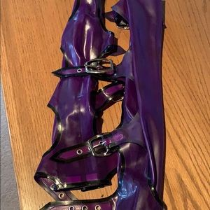 Rubber Luv Accessories - LATEX BUCKLE GLOVES